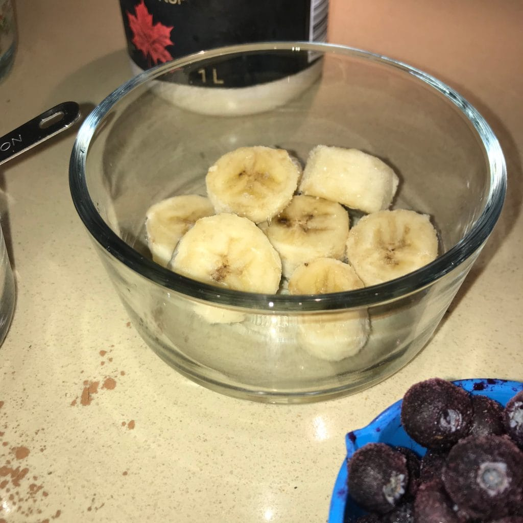 Sliced bananas for green smoothie.