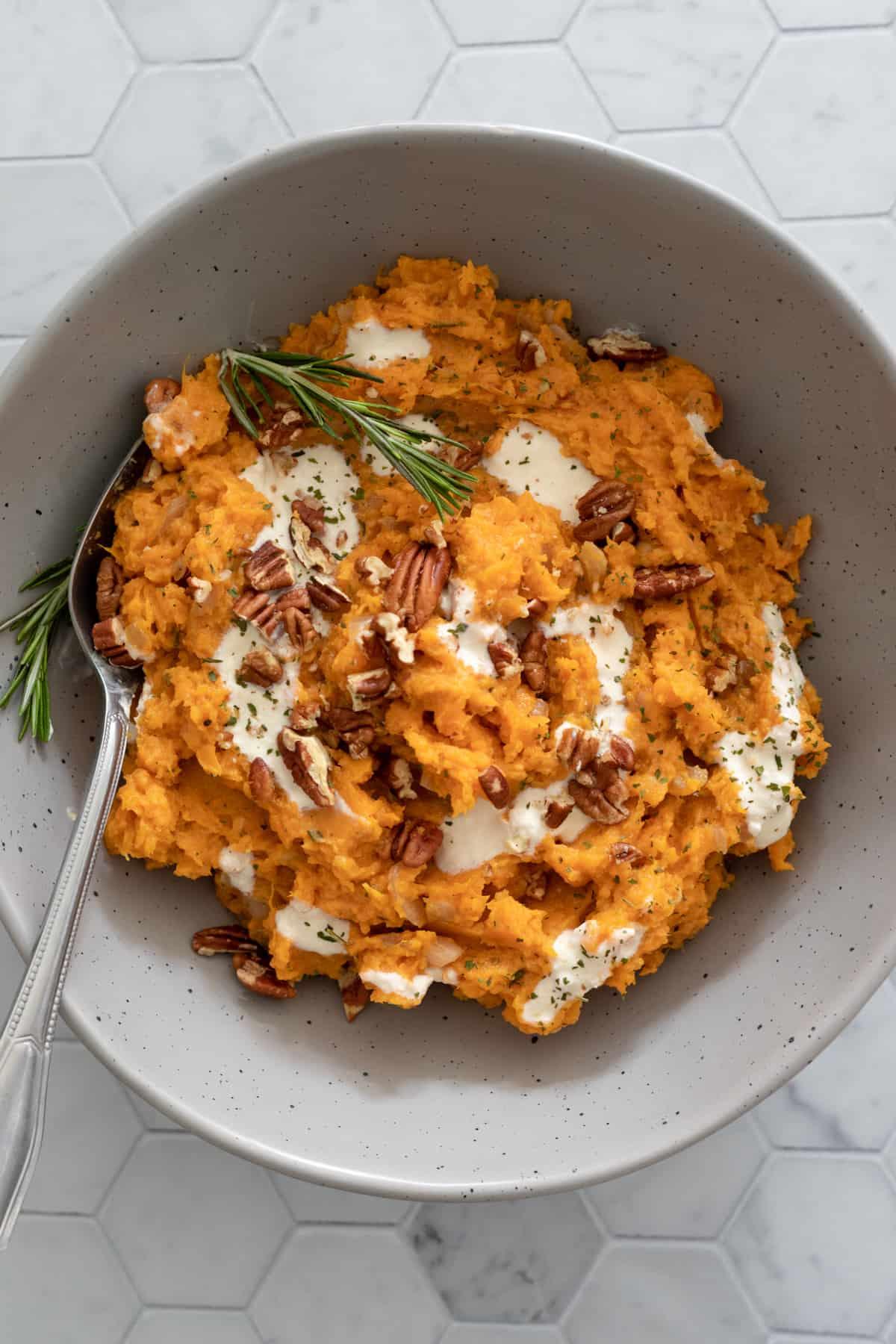 A bowl of savory vegan mashed sweet potatoes.